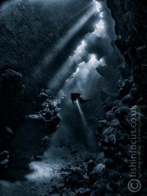 diver, caves, Red Sea UPY 2015, fishinfocus, Mario Vitalini, OMD